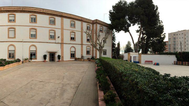 Fachada Colegio El Carmen Manises
